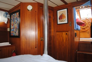 master cabin pole & wc
